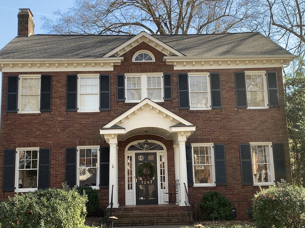 Onyx Black Oakridge shingle roof replacement in Myer's Park neighborhood.